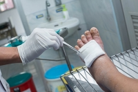 Early Detection of Abrasions on the Feet is Important for Diabetics